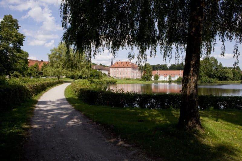 Schloss Reichmannsdorf: - Luxushotel mit Golfplatz