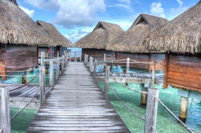Auszeit für Verliebte: luxuriöse Angebote im St. Regis Bora Bora