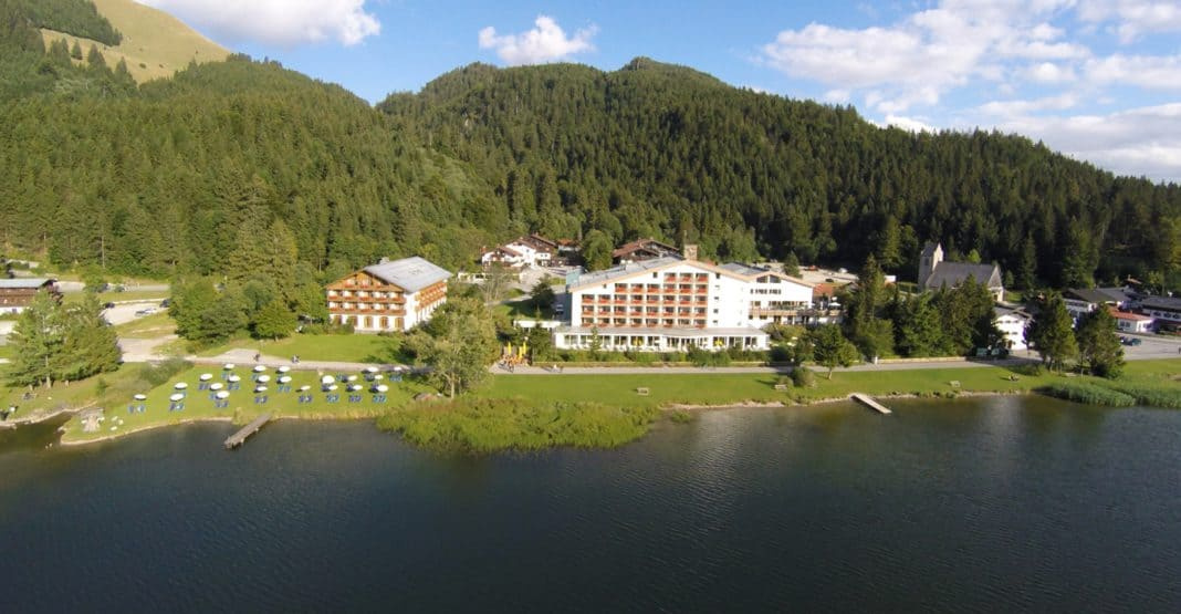 Arabella Alpenhotel am Spitzingsee: Frühlingserwachen am Spitzingsee