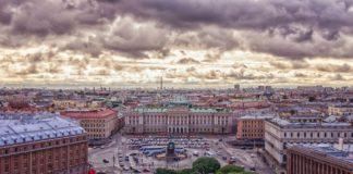 """Per Fähre St. Petersburg und das """"Venedig des Ostens"""" entdecken"""