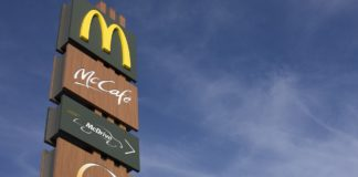 Reinholz überreicht NAT-Urkunden an Thüringer McDonald's-Filialen