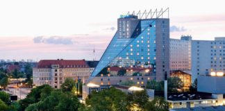 ESTREL Hotel & Convention Center Berlin: all you need is love!