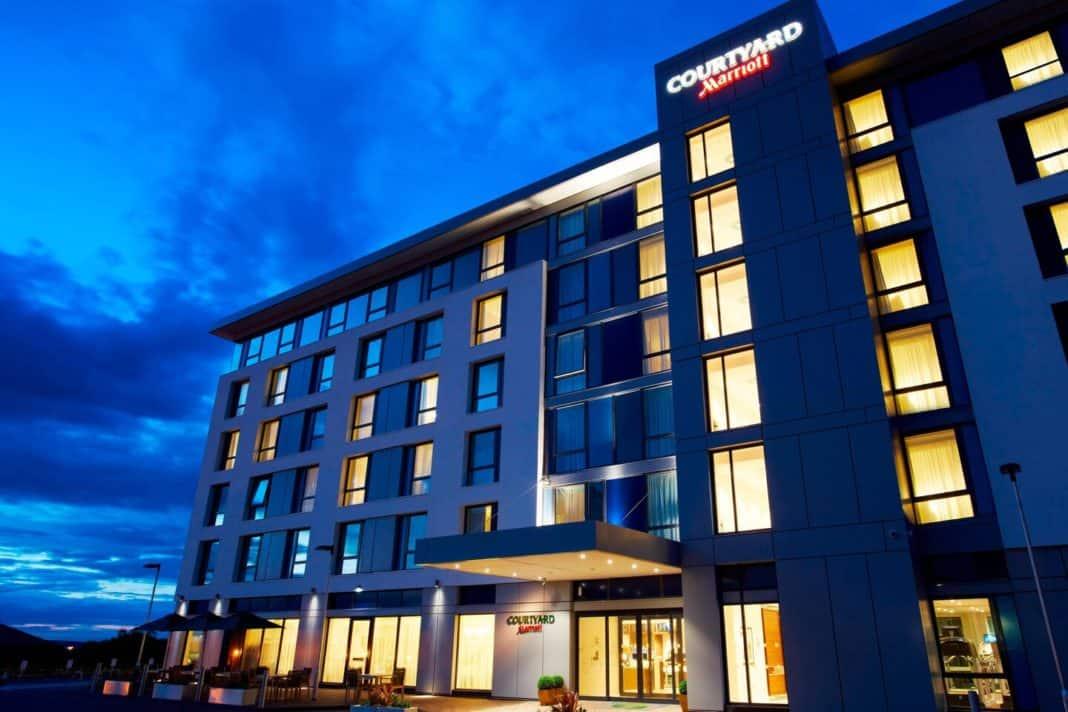 Im neuen Courtyard-Design: Courtyard by Marriott Aberdeen Airport Hotel