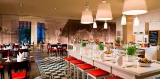 Restaurant im Airport Marriott Hotel