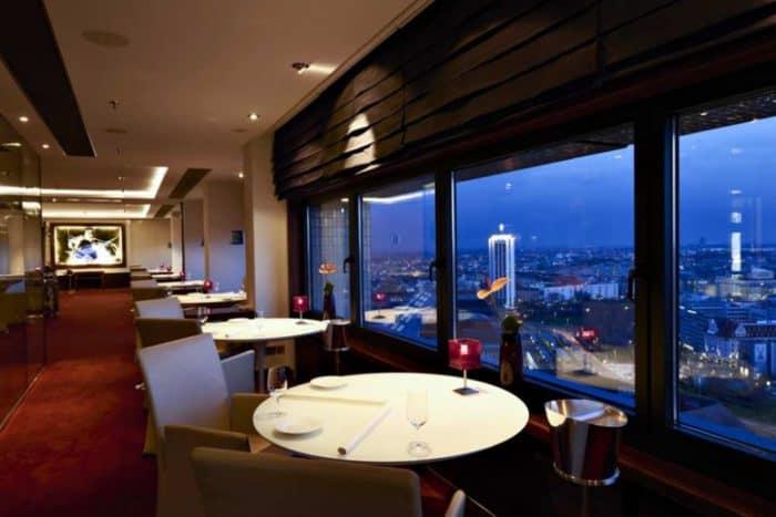 Die Falco Bar und Lounge ist die höchste Adresse