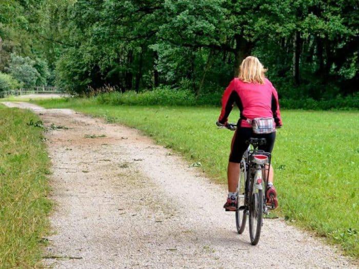 Touristischer Radweg um den Plauer See