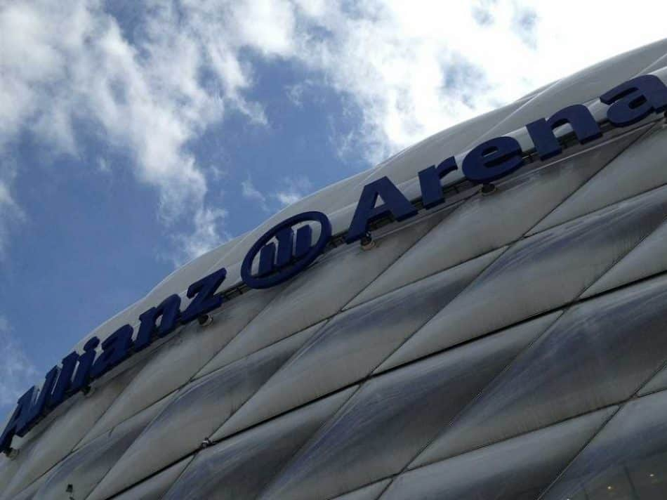 Nach einem unterhaltsamen und aufregenden Fußballspiel in der Allianz Arena bietet das München Marriott Hotel die ideale Entspannungs- und Erholungsmöglichkeit in kürzester Entfernung.