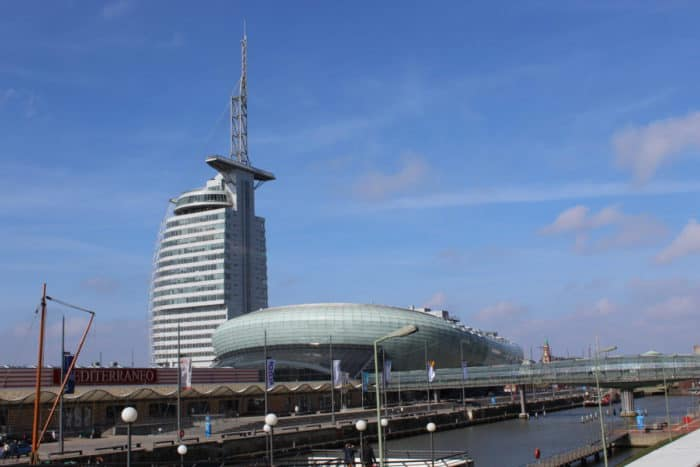 Klimahaus-im-Hintergrunnd-Atlantic-Hotel-Bremerhaven-e1539524183272 ATLANTIC Hotel Sail City Bremerhaven: höchster Hotel-Komfort
