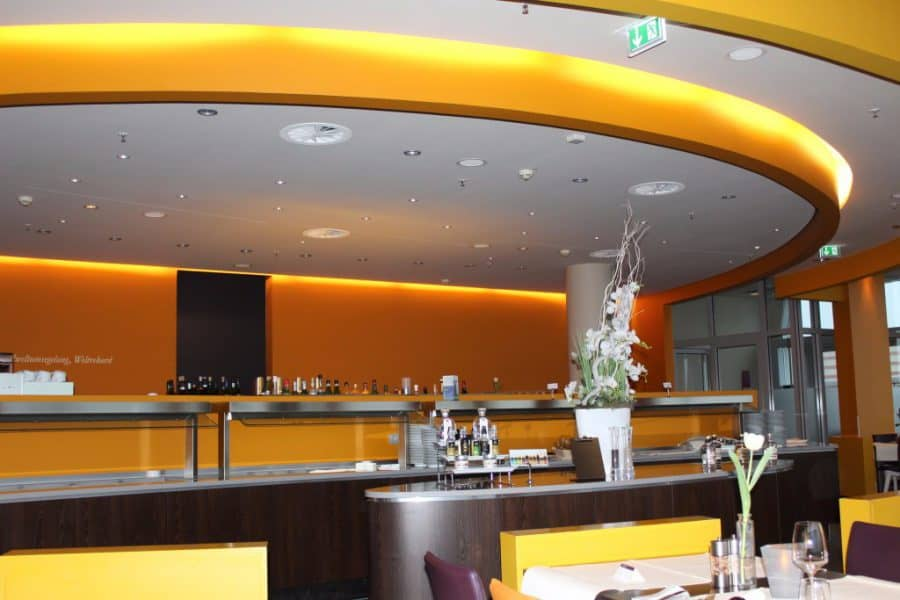 Bar-Restaurant-Strom-Atlantic-Hotel-Bremerhaven-1024x683-e1521180989371 ATLANTIC Hotel Sail City Bremerhaven: höchster Hotel-Komfort