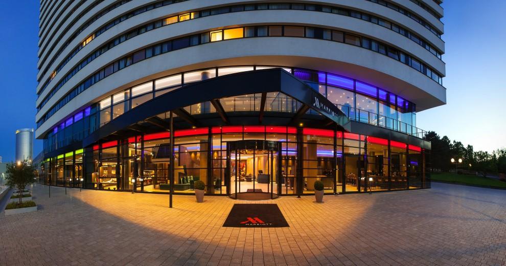 Eingangsbereich des Bonn Marriott World Conference Hotels