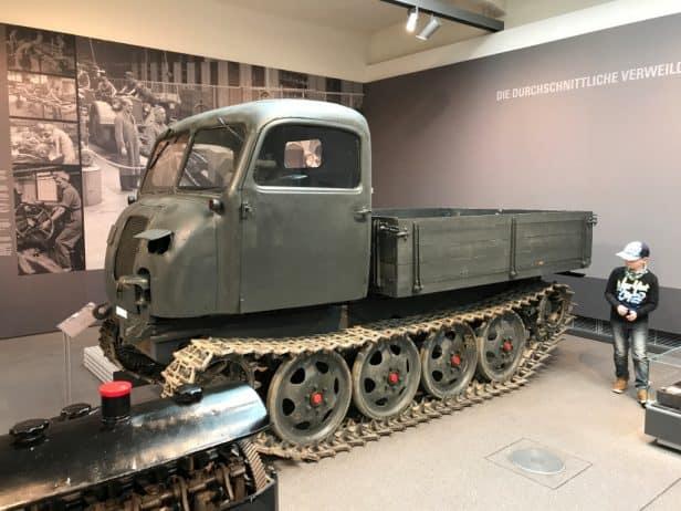 Horch Museum Zwickau Kettenfahrzeug Audi