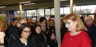 Sachsens Wirtschaftsstaatssekretär Stefan Brangs mobilisiert auf KarriereStart für Gastrobranche