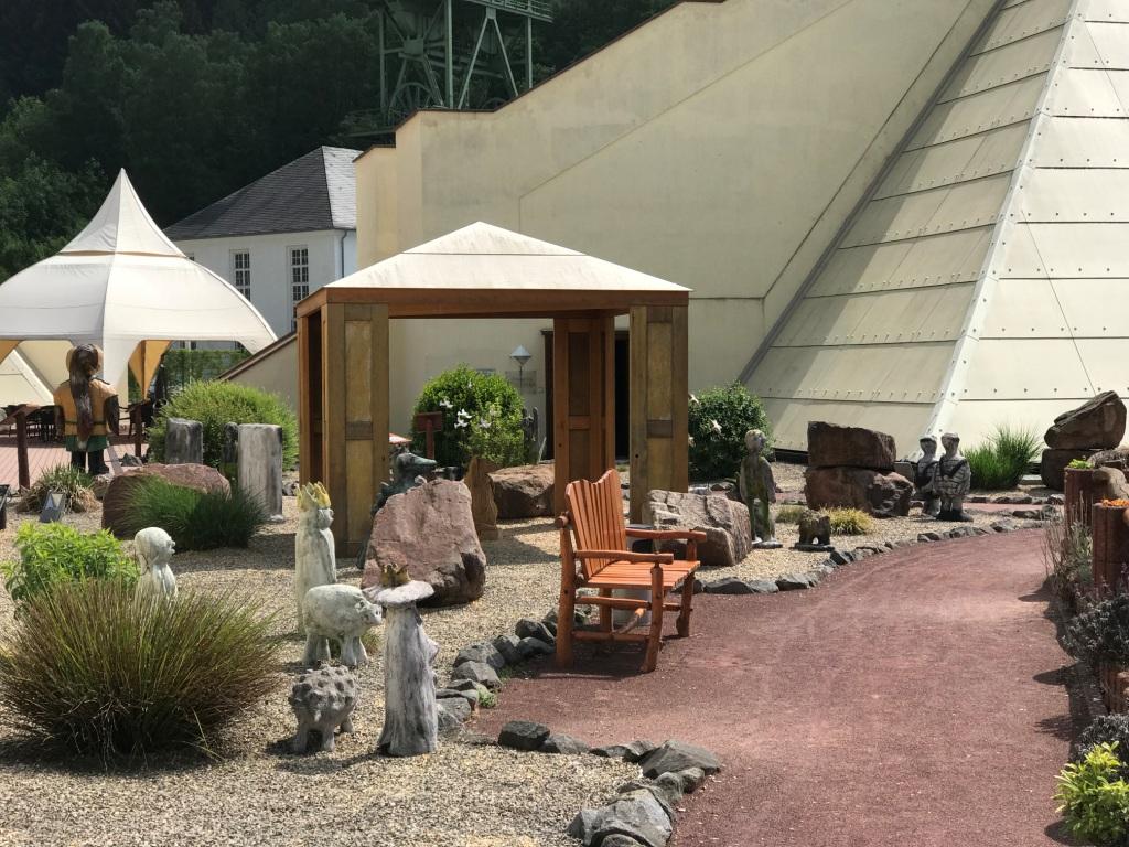 Galileo-Park Gartenbereich Sauerland Pyramiden