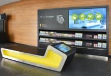 An zwei wichtigen Knotenpunkten der Stadt bietet die Stuttgart-Marketing GmbH den Stuttgart-Gästen ab sofort relevante Informationen für Ihren Aufenthalt und stärkt damit ihre moderne Willkommenskultur.