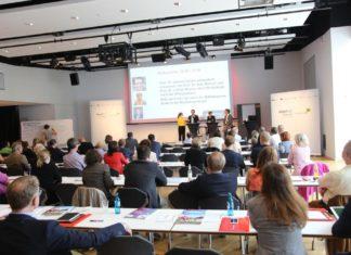 Knapp 100 Teilnehmende beschäftigten sich mit Themen wie Big Data, DSGVO, Diversität, Social Media, Wissensmanagement und Ausund Weiterbildung.