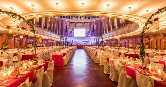"Ball des Weines 2019: ""Hollywood Moments"" im Wiesbadener Kurhaus"