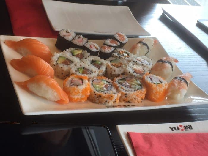 Sushi Platte mit großer Auswahl