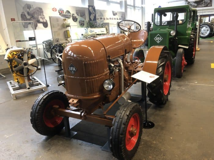 Traktor Brockenhexe aus Nordhäuser Produktion