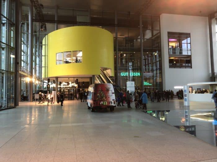 Empfangshalle Autostadt Wolfsburg