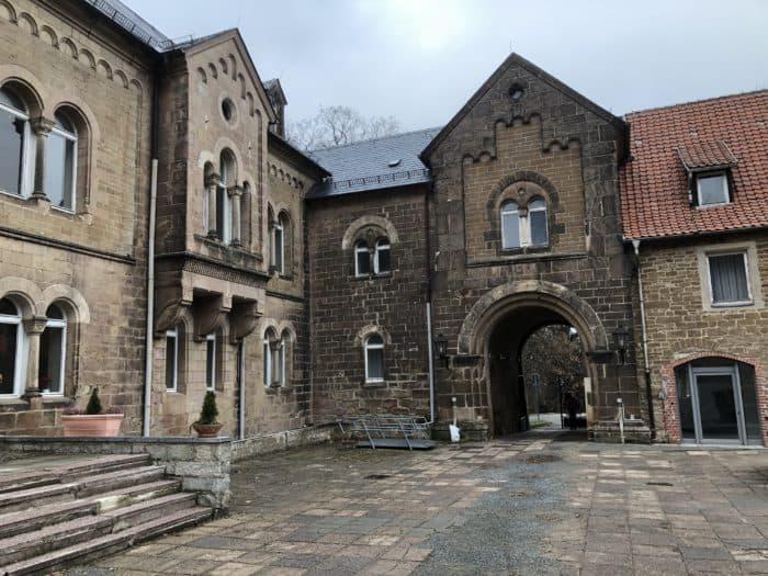Eingang Klostergelände und Schloss Ilsenburg