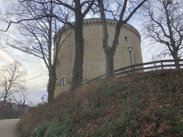 Blick von der Hauptstraße auf den Zwinger Goslar