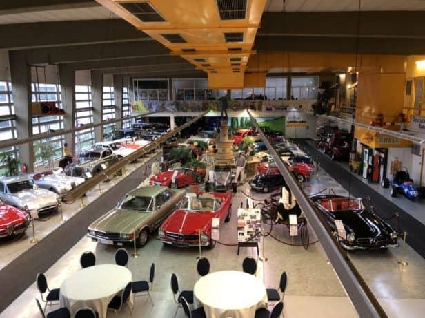Automuseum Dortmund, Blick von Restaurant auf Ausstellungsraum