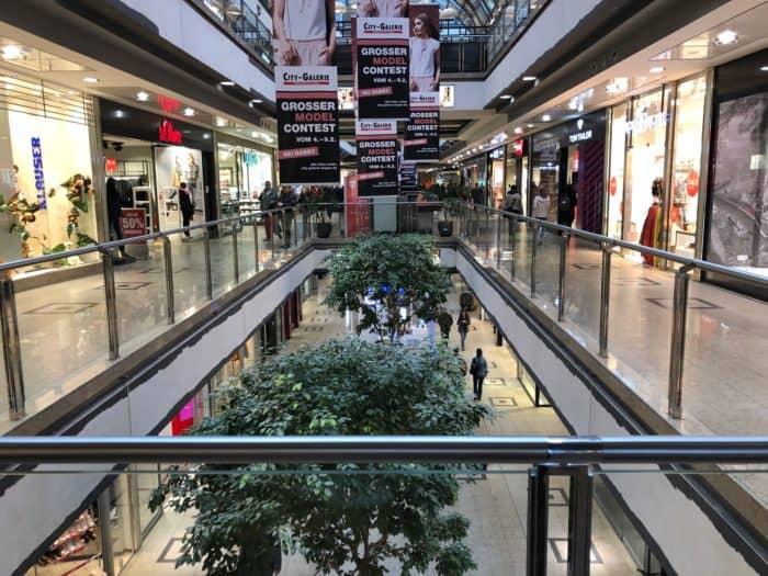 Innenansicht erste Ebene des Siegener Einkaufszentrums