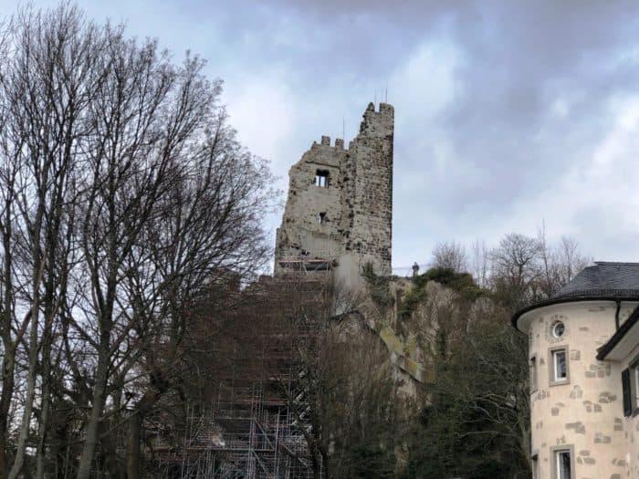 Blick auf den Drachenfels mit Burgruine