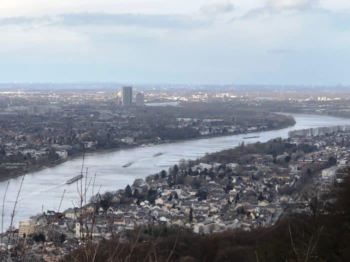 Rheinblick vom Drachenfels aus