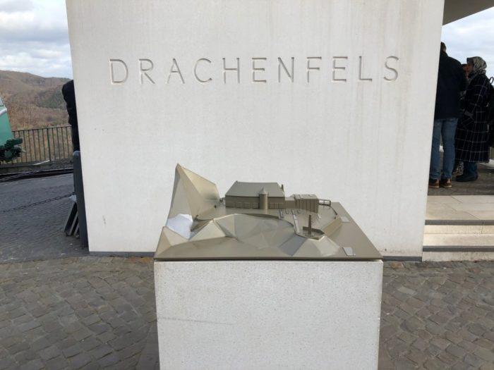 Modell vom Drachenfels