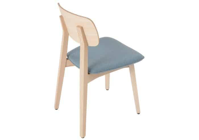 Stuhlfabrik Schnieder fertigt hochwertige Stühle aus Esche – Tradition trifft auf Moderne