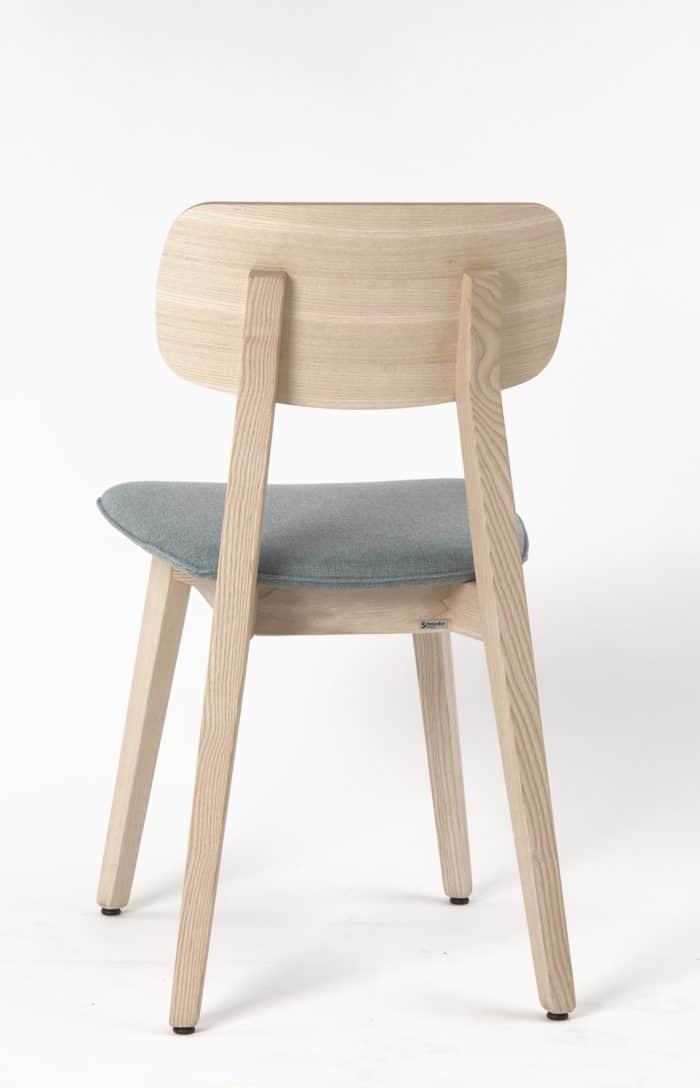 stuhl_torge_esche_stuhlfabrik_schnieder_gesamt-e1553687103192 Tradition trifft auf Moderne: Stuhlfabrik Schnieder fertigt Stühle aus Esche