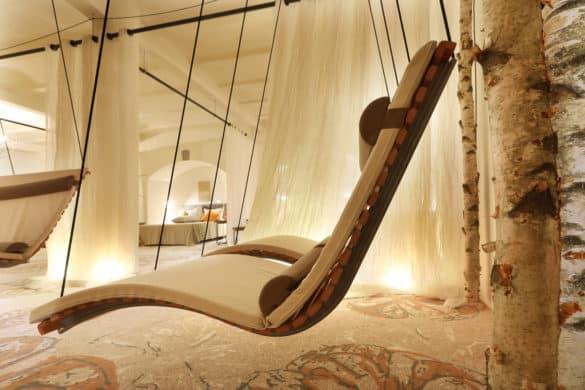 FLH_Relax-and-Fit_Schaukel_by-Alexander-Sell-585x390 Nägler's - Fine Lounge Hotel: mitten im Rheingau, mitten im Leben