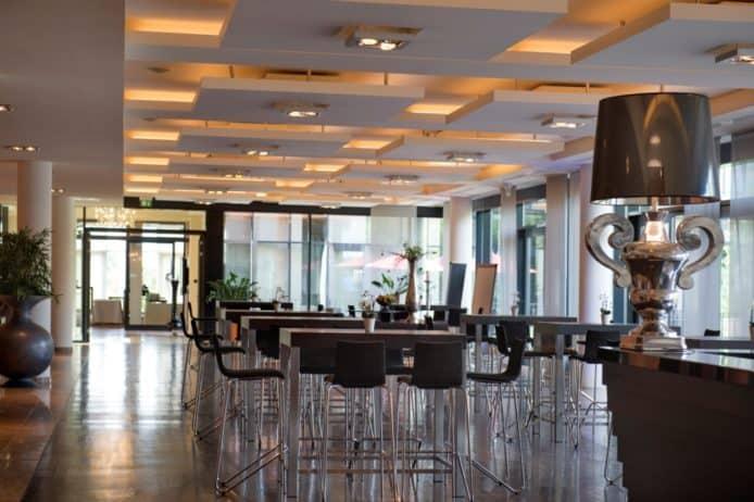 Forum Conference Center Atrium Hotel