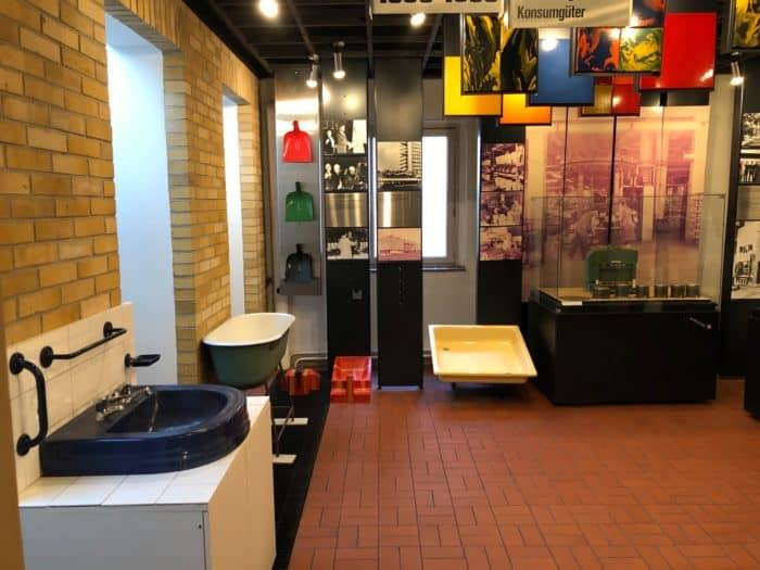Emaillewaren aus der DDR-Produktion