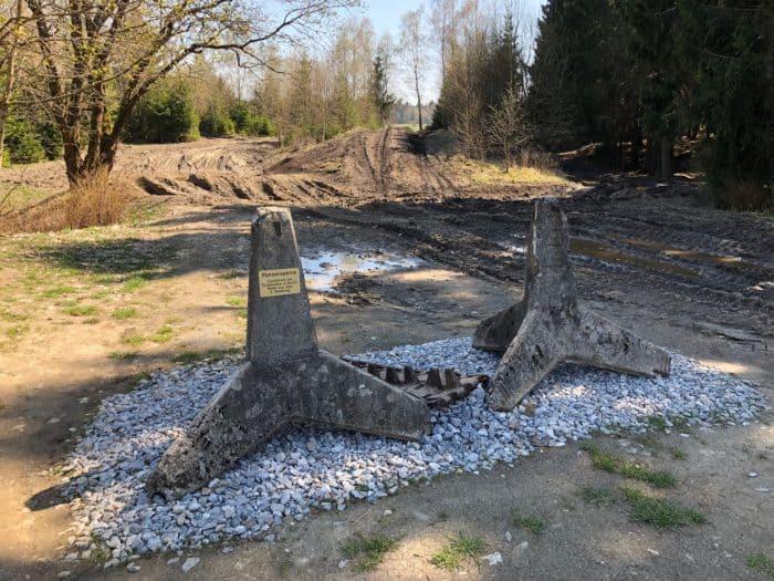 Panzer-Sperren im Fahrzeugmuseum Benneckenstein