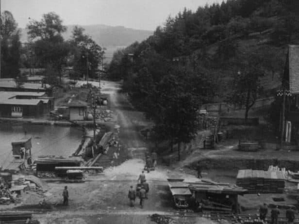 Junkers-Baustelle vor der Heimkehle