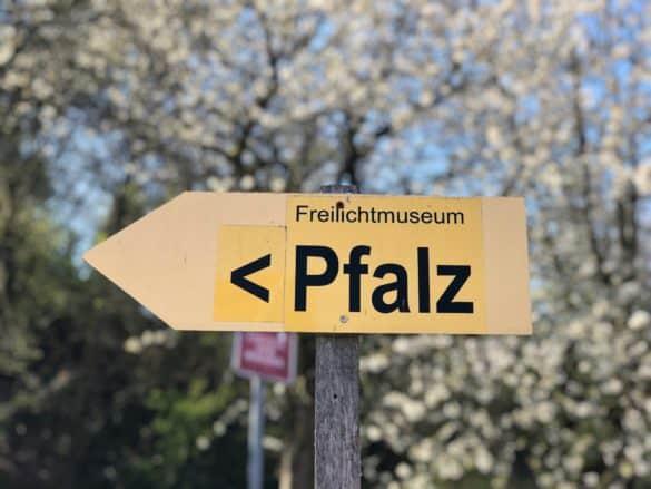koenigspfalz_tilleda_hinweistafel-585x439 Königspfalz Tilleda: Freilichtmuseum zu Füßen des Kyffhäusers