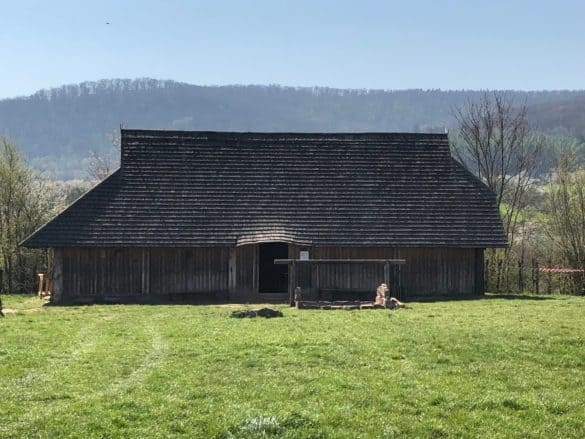 koenigspfalz_tilleda_wohnhaus_vorburg-585x439 Königspfalz Tilleda: Freilichtmuseum zu Füßen des Kyffhäusers