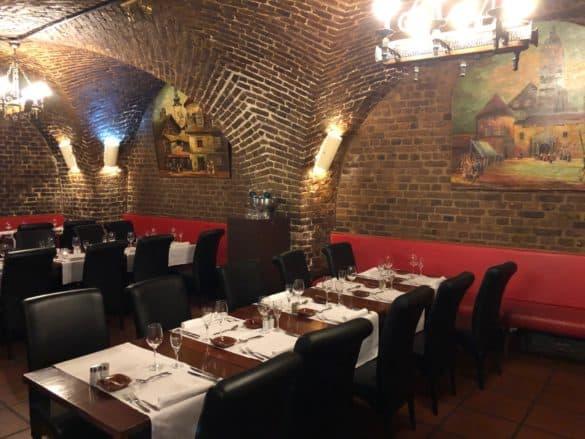 restaurant_mederrano_koeln_roemischer_weinkeller-585x439 Restaurant Mederrano in Köln: speisen in historischer Umgebung