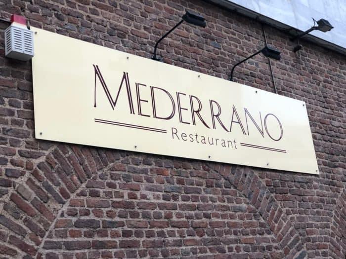 Schild Restaurant Mederrano Köln