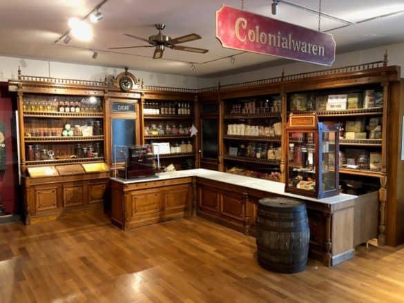 schokoladenmuseum_koeln_colonialwaren-1-585x439 Schokoladenmuseum Köln: mehr als nur ein Museum