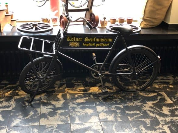 Fahrrad mit Aufdruck Senfmuseum Köln