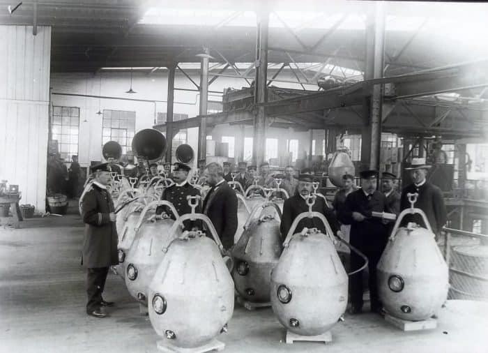 Produktion von Seeminen bei der Hüttenwerke AG Thale