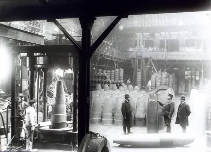 Produktion von Torpedomänteln durch die Eisenhüttenwerke Thale AG