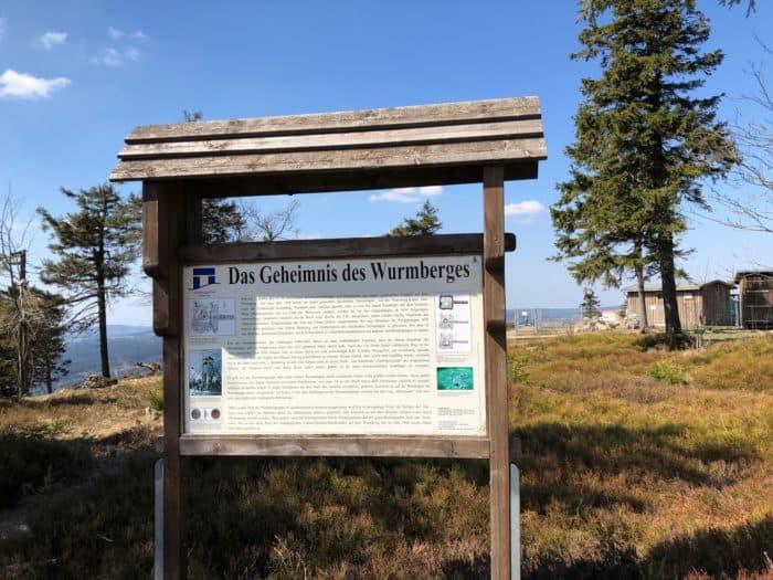 Infotafel über den Wurmberg