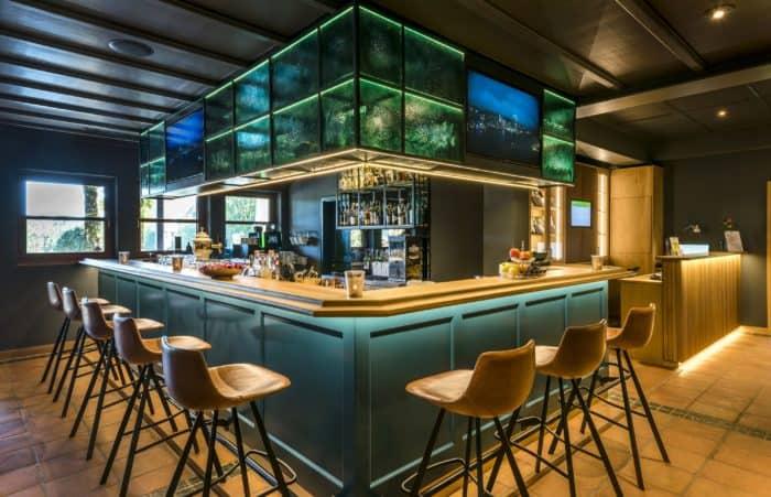 Theke Derby Bar Hotel Gut Ising am Chiemgau