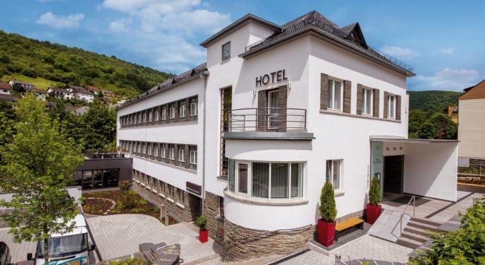 Außenansicht Hotel im Schulhaus Lorch