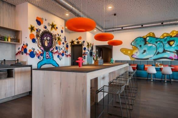 Innovativ gestalteter Frühstücksraum