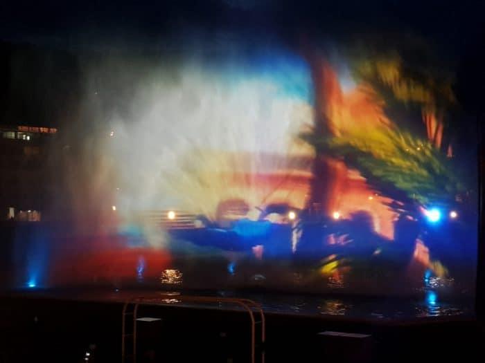 Fontänen des Multimedia-Brunnens Bad Kissingen in Kunstwerk verwandelt